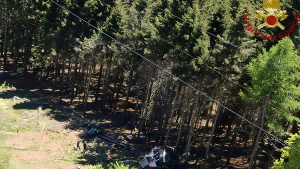 Italian cable car plunges to the ground, killing at least 9