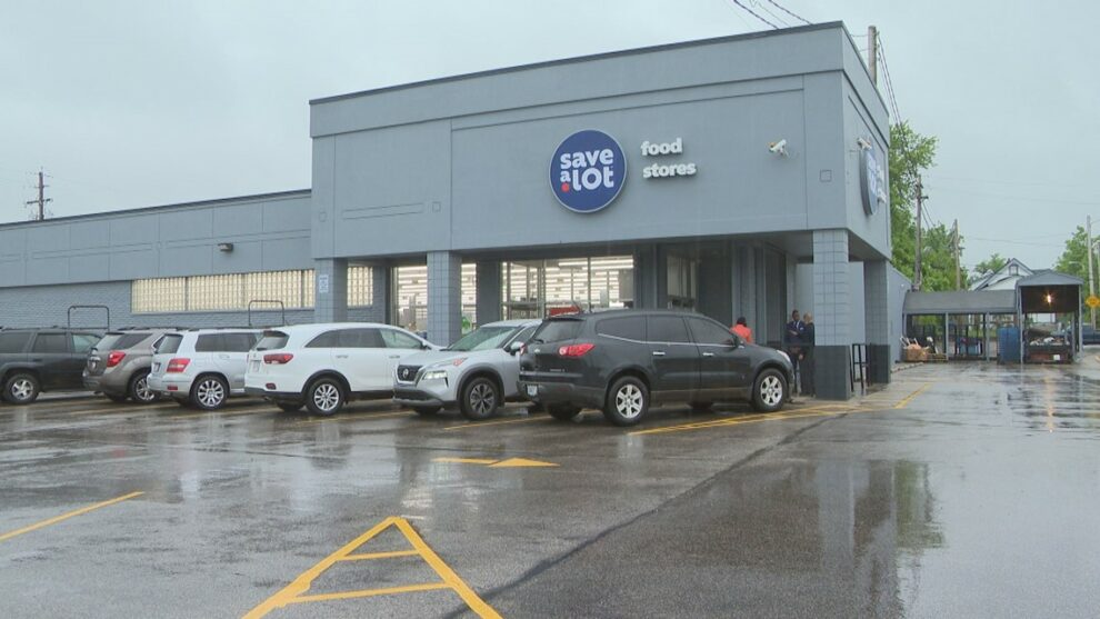 Newly renovated Save A Lot grocery store part of plan to eliminate Cleveland 'food deserts'