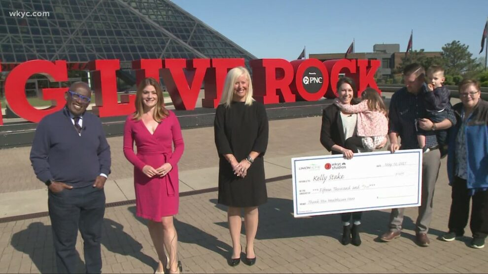Al Roker helps surprise Cleveland Clinic Hillcrest Hospital nurse with $15,000 check