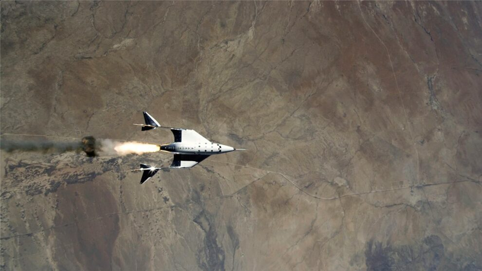 Virgin Galactic manned shuttle makes 1st rocket-powered flight to edge of space