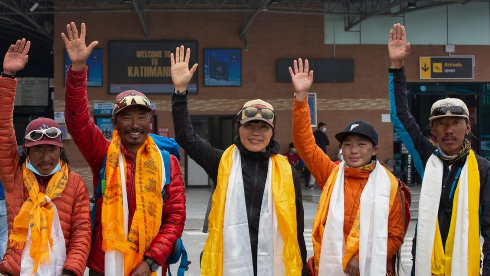 Oldest American, and fastest woman on Everest, return safely