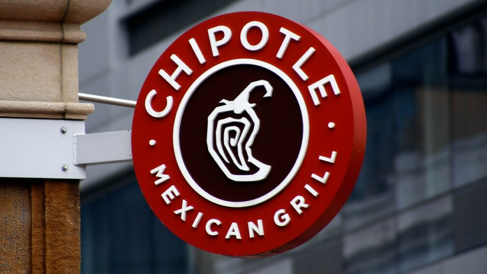 Chipotle raises menu prices, citing higher wages for employees
