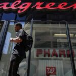 Walgreens offering $25 gift card for anyone who gets vaccinated this week