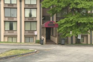 Independence Ramada to soon stop housing homeless, due to Ohio law