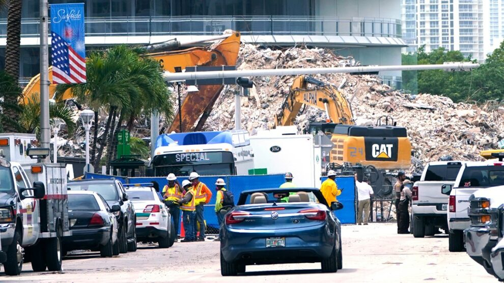 Firefighters officially end search in Florida condo collapse