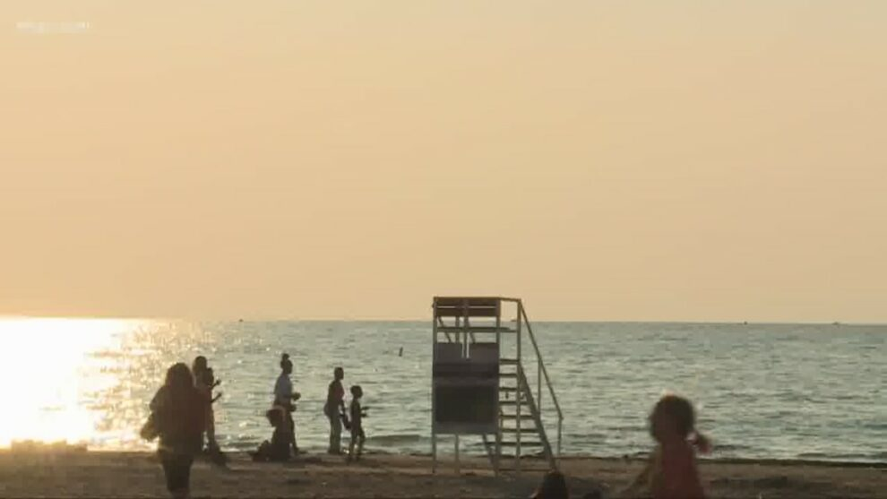 14-year-old boy pulled from Lake Erie at Villa Angela Beach, witnesses say he was underwater for 40 minutes