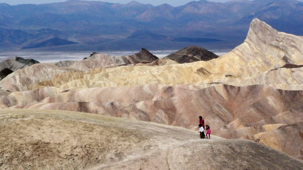 Death Valley almost reaches Earth