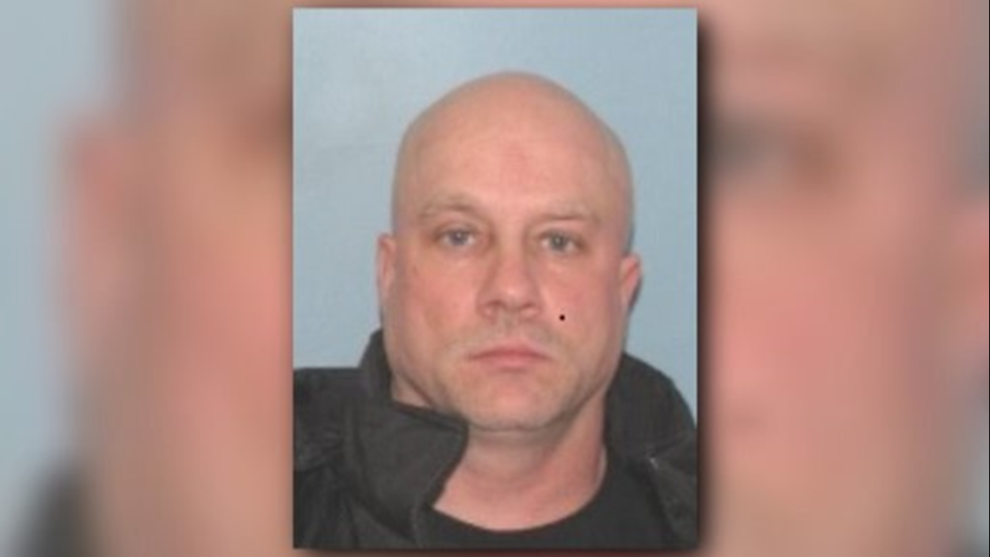 Ohio man wanted for distributing cocaine via U.S. mail: Fugitive of the Week