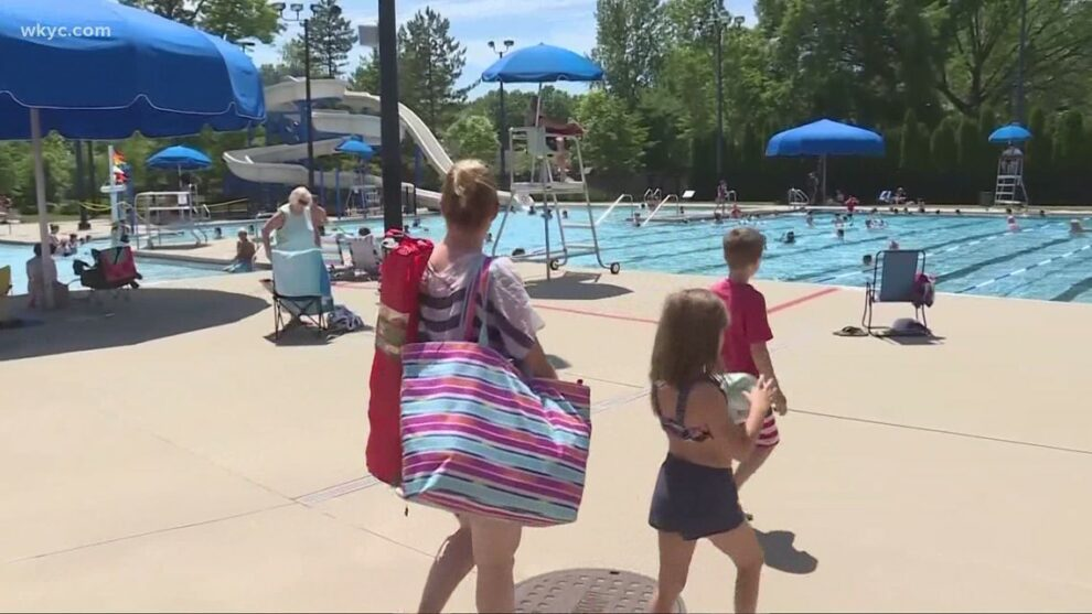Cleveland YMCA offering free and low-cost swim lessons to families