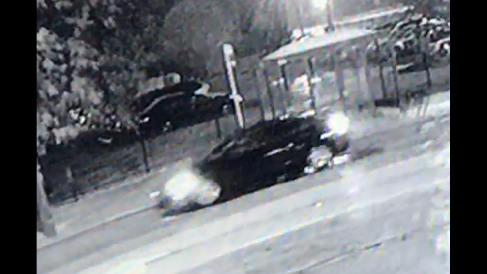 Cleveland police searching for driver, vehicle involved in fatal Saturday night hit-skip on city
