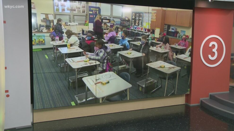 Northeast Ohio parents, families go back and forth over mask mandates in schools