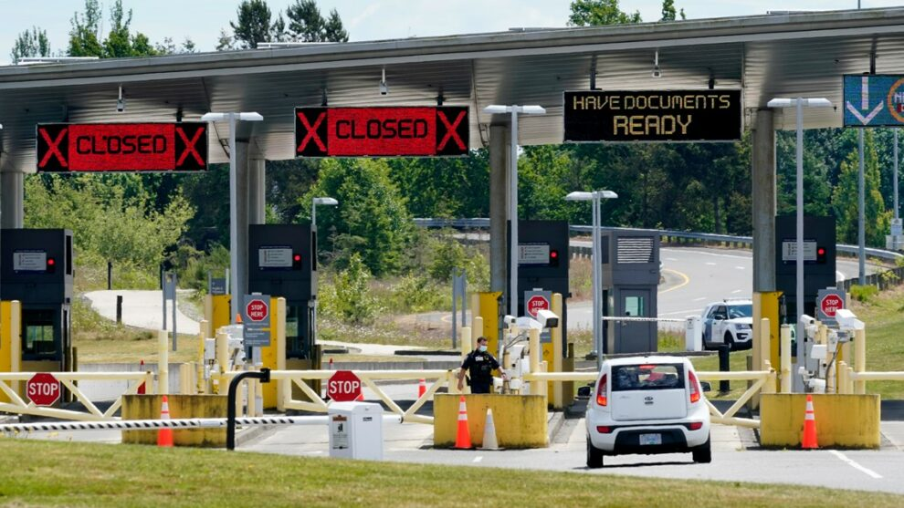 US extends COVID-19 border restrictions with Canada, Mexico through Sept. 21
