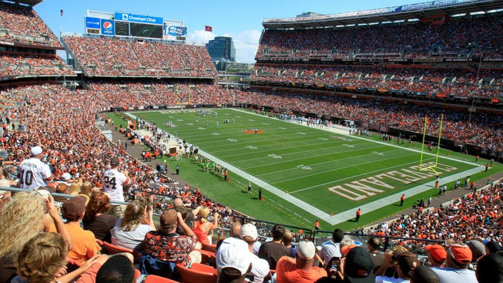 Cleveland Browns allowing full capacity; recommend all fans wear masks while indoors at FirstEnergy Stadium